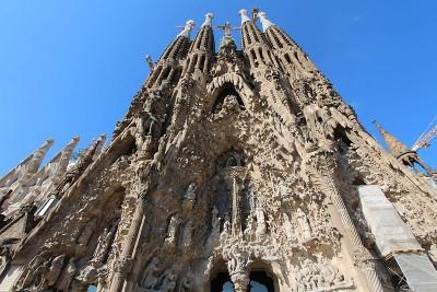 800px-La_Sagrada_Família_Basílica_in_Barcelona,_Spain